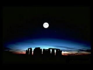 stonehenge-full-moon